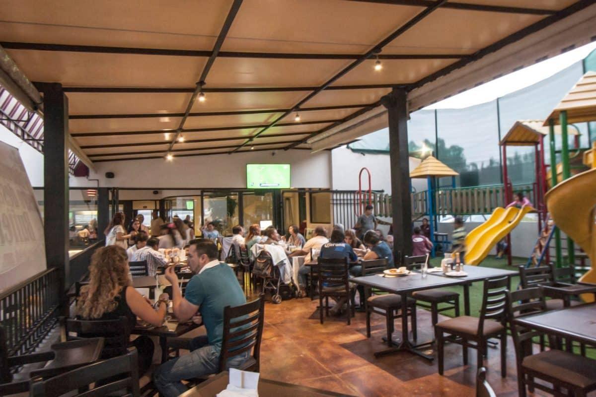 Restaurante jard n del asador for Restaurante jardin